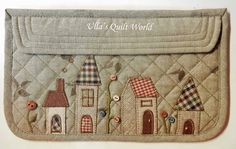 Ulla's Quilt World: Quilted house pouch + pattern