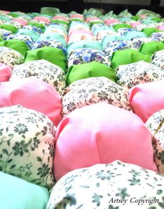 bubble Bubble Quilt, Quilting Designs, Bed Pillows, Bubbles, Quilts, Sewing, Baby, Pillows, Dressmaking