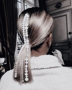 Excited to be back with in vail! Whose excited to see our snow bunny looks this week? ❄️🐰 throwback to this pearl pony in… Work Hairstyles, Wedding Hairstyles, Hair Inspo, Hair Inspiration, Looks Pinterest, Natural Hair Styles, Long Hair Styles, Hair Accessories For Women, About Hair