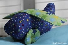 soft airplane - Free pattern, detailed instructions, turned out cute!