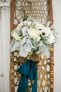 Snowy winter wedding inspiration | Photo by http://www.100layercake.com/blog/?p=82785