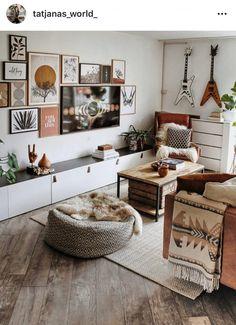 Wonderful Bookshelf Decorating Ideas For Cozy Living Room Design To Try 08 Boho Living Room, Cozy Living Rooms, Home And Living, Living Room Decor, Tv In Living Room, Small Living, Modern Living, Interior Design Living Room, Living Room Designs