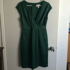 "Green J.Crew Cecilia Dress Size 6 Never worn. Color is accurate in the 2nd picture. 100% polyester. Length: 37"". NO TRADES/PAYPAL. J. Crew Dresses"