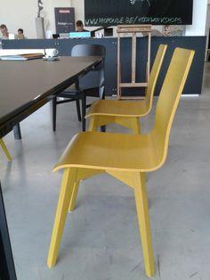 Buzzy chair in oak at Kletz, Zele