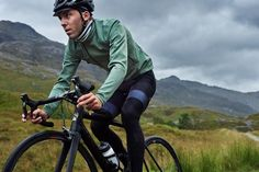 A first look at the French label's luxury cycling apparel for autumn/winter 2016. We put the focus on the highlights from Café Du Cycliste's AW16 range.
