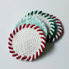"Crochet Tea Coasters Christmas theme coasters ""크리스마스 느낌의 티코스터 #crochetcoasters #crochet #coasters #코바늘 #코바늘티코스터 #christmas #핸드메이드 #handmade…"""
