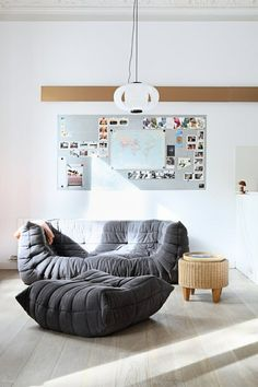 joli salon avec chauffeuse conforama grise