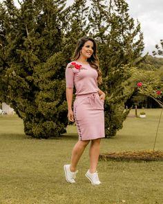 """Boutique K on Instagram  """"Lançamento!! Coleção Bela Poesia 🍁🍁 Vestido  Luana esportivo em moletinho c elastano e bolso. Ref  4689 P M G Em 3  lindas ... d2a2e7a377"""