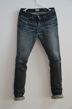 Fade Friday – Naked Famous x Blue in Green Weird Guy months, 0 washes)… Raw Jeans, Raw Denim, Jeans Pants, Men's Denim, Moto Jeans Mens, Ripped Jeans Men, Denim Fashion, Look Fashion, Best Plus Size Jeans