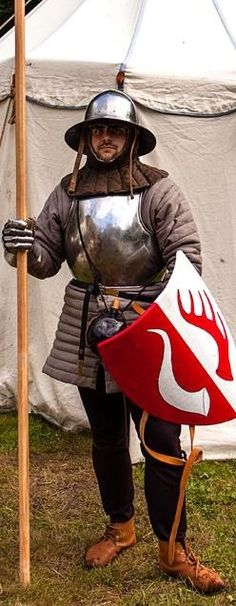 Foot soldier medieval fightReally like the helm