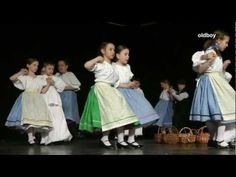 Gyermektánc Antológia 2011 (2012) - YouTube Irish Celtic, Kinds Of Music, Great Movies, Budapest, Folk, Culture, Youtube, Education, Musica