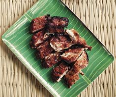 Sii Khrong Muu Yaang (Thai-Style Pork Ribs) By Andy Ricker From Moveable Feast Season Ep.Pok Pok These ribs, the kind you'd find at booze-heavy, grill-focused Thai establishments, are decidedly different. Indian Food Recipes, Asian Recipes, Asian Foods, Thai Recipes, Fish Recipes, Pork Riblets, Lunch Recipes, Dinner Recipes, Bbq Pork Ribs