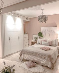 Looking to freshen up your home decor? Get inspired by hundreds of photos and room tours of some of the South's most beautiful homes living room decor livingroom ideen grau Cute Bedroom Ideas, Cute Room Decor, Girl Bedroom Designs, Room Ideas Bedroom, Home Decor Bedroom, Master Bedroom, Bedroom Signs, Interior Livingroom, Kids Bedroom