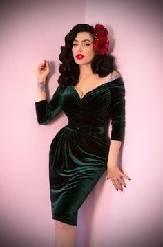 The Hunter Green Velvet Starlet Dress is the ultimate