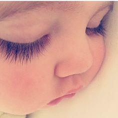 New funny baby photoshoot children ideas Precious Children, Beautiful Children, Beautiful Babies, Cute Little Baby, Little Babies, Baby Kids, Cute Kids Pics, Cute Baby Girl Pictures, Funny Babies