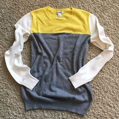 Old Navy Colorblock Sweater Old Navy Colorblock Sweater. Cute & comfy. Old Navy Tops