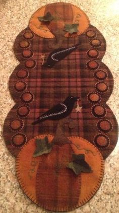 Primitive Wool Penny Rug Fall Table Runner pumpkins and crows by leslie