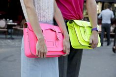 IT GIRLS DON´T CRY: IT TRENDS: THE FLUOR SATCHEL AFFAIR