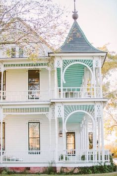 "The porch shows the Southern classic blue ceiling, which is presumed to keep pests from nesting ""under the sky"" - Leigh **"