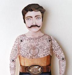 boneco tatuado