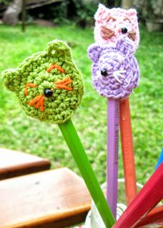 Pink's: Crochet pencil toppers