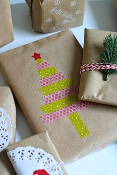 Mmi I like Wednesdays packaging packaging idea wrapping paper DIY self-made Christmas Time, Christmas Crafts, Christmas Decorations, Fathers Day Decorations, Diy Stamps, Diy Hanging Shelves, Christmas Gift Wrapping, Masking Tape, Christmas Inspiration