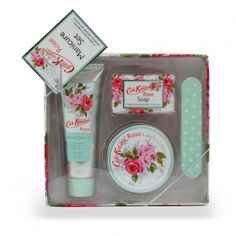 Pamper her with this Cath Kidston Vintage Rose Manicure Gift Set for Valentines Day  ---  Quick Info: Price £13.00  Give your hands and nails the pampering attention they deserve with our Cath Kidston Rose Manicure Gift Set.  ---  Available from Roman at Home.  Images Copyright www.romanathome.com