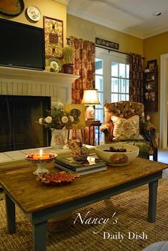 Nancy's Daily Dish: First Signs of Fall in The Family Room & An Easy Natural Arrangement