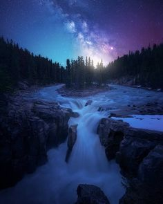 Milky Way Galaxy ✨🌟🌚🌠      💭 Tell us what you think       4k Photography, Milky Way Photography, Outdoor Photography, Photography Basics, Photography Tutorials, Amazing Photography, Cosmos, Photo Awards, Amazing Nature