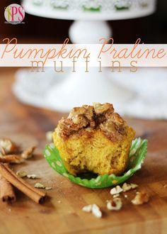 Pumpkin Praline Muffins - The perfect #fall breakfast treat! #baking #pumpkin #breakfast #muffins