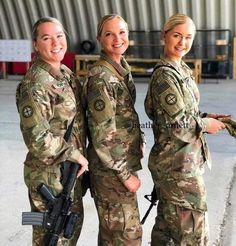 Military Women, Military Jacket, Army Decor, Female Soldier, Army Soldier, Hero World, Will Arnett, Girls Uniforms, Sexy Older Women
