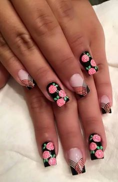 uñas negras rosas y frances Rose Nails, Flower Nails, Peach Nails, Fancy Nails, Pretty Nails, Hair And Nails, My Nails, Cute Nail Art, Creative Nails
