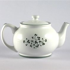 Bewley's Two Cup Shamrock Teapot Erin Go Bragh, Earthenware, Tea Pots, Irish, Tableware, Cups, Recipes, Beautiful, Dinnerware