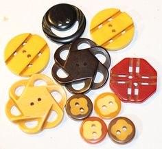 Button / Bakelite 10 / Pierced / Vintage / Small to Medium by HoppeEtc on Etsy