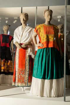 At left, a white shawl is paired with a skirt with a Chinese pattern. At right, an orange silk huipil is displayed with a Tehuana skirt. Frida Kahlo's Home Is Still Unlocking Secrets, 50 Years Later - The New York Times Diego Rivera Frida Kahlo, Frida And Diego, Big Brown Eyes, White Shawl, Chinese Patterns, Bride Of Christ, Textiles, Best Photographers, Fashion History