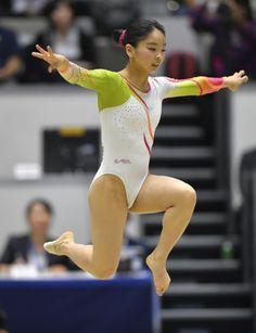 Gymnastics Flexibility, Acrobatic Gymnastics, Sport Gymnastics, Artistic Gymnastics, Gymnastics Leotards, Dancer Photography, Female Cyclist, Beautiful Female Celebrities, Gymnastics Pictures