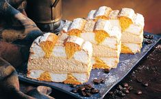 Baking Recipes, Dessert Recipes, Desserts, Wonderful Recipe, Cornbread, Vanilla Cake, Food And Drink, Treats, Cheese