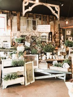 Are you going to be in or near Madison Indiana. Do not miss your chance to check out Olde Tyme Marketplace. Check out a few photos from my recent visit to my favorite Madison Indiana Shop