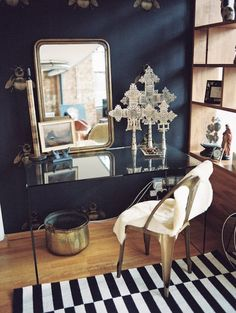 """Heather's 'Masculine and Funky"""" London Flat 