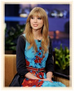 Love the dress  Taylor is wearing