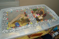 **This page was posted to spread the word on how you can make a bin cage but original credit for how to prettify it and the original look was based off a Hamster Central member: aka Gutterglitterxx… Hamster Bin Cage, Cool Hamster Cages, Hamster Care, Hamster House, Hamster Stuff, Hamster Ideas, Pet Stuff, Gerbil Cages, Rat Cage Diy