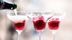Bland champagne med dette - få sprudlende festdrinker til mai Cold Drinks, Alcoholic Drinks, Cocktails, Bellini, Prosecco, Milkshake, Red Wine, Smoothies, Buffet