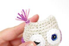 Free amigurumi owl crochet pattern, illustrated with step by step by photos. Diy Crochet Owl, Owl Crochet Patterns, Baby Knitting Patterns, Crochet Motif, Free Crochet, Small Owl, Stuffed Toys Patterns, Free Pattern, Stuffed Bear