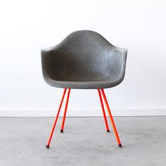 Eames DAX Zenith // Elephant, Red