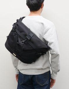 Computer Backpack, Medium Bags, Sling Backpack, Messenger Bag, Trunks, Backpacks, Apple, Future, School