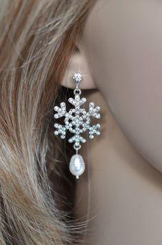 Vintage Inspired Crystal Rhinestone and Pearl Snowflake Earrings (Pearl-248-U)