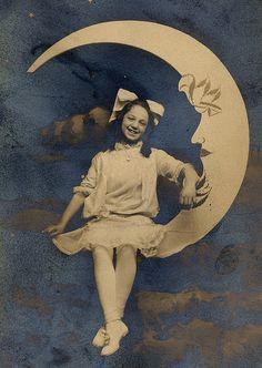 Paper moon...