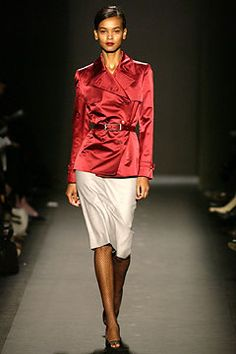 Carolina Herrera Fall 2003 Ready-to-Wear - Collection - Gallery - Look 1 - Style.com