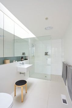 Neil Architecture: Orchard Crescent, Melbourne, Victoria Ensuite layout with recessed shelf
