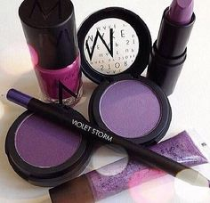 Purple. www.makeupstorespain.es